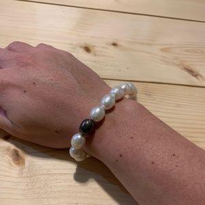 Silpada pearl stretch bracelet